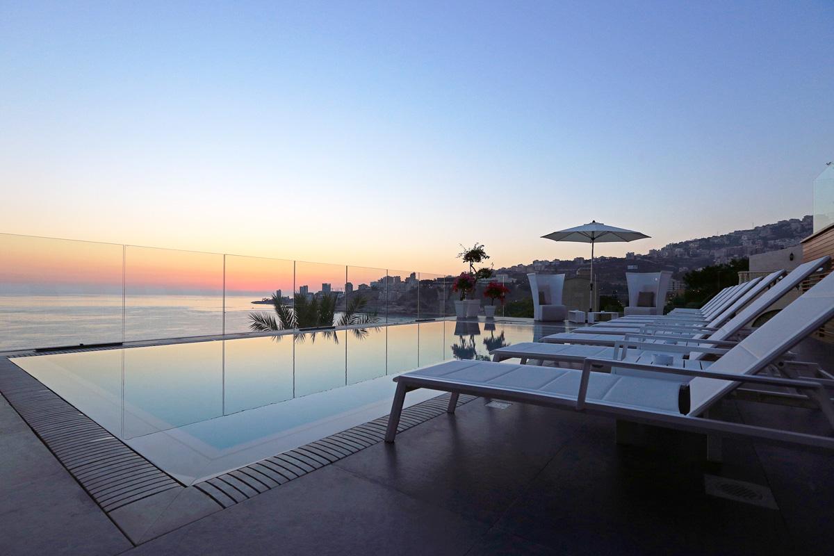 C Sky Bar Lounge Luxor Hotel